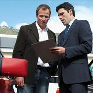 Car-Salesman-using-an-iPad1